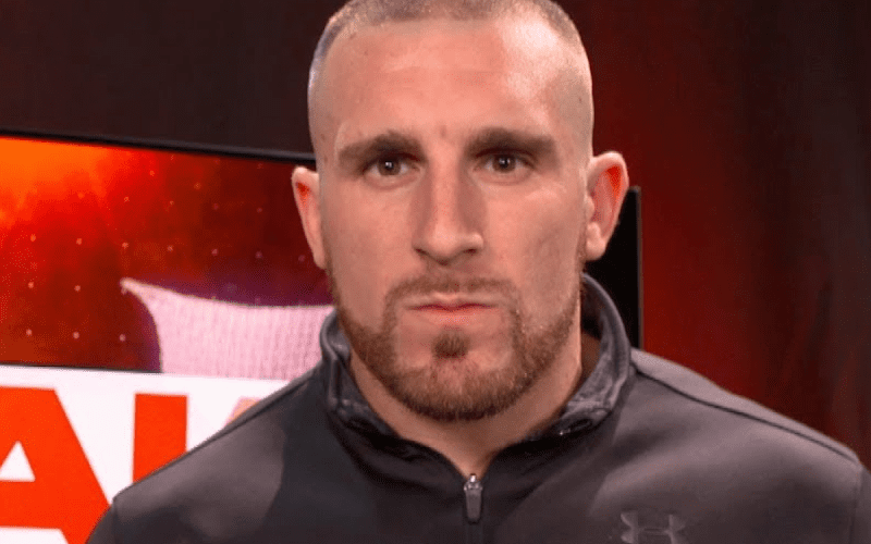 Mojo-Rawley-not-impressed