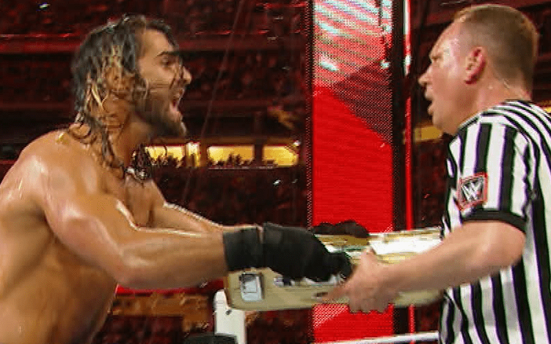 Seth-Rollins-Money-in-the-bank-Cash-in