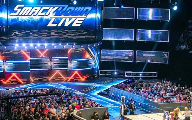 SmackDown-Live-Entrance