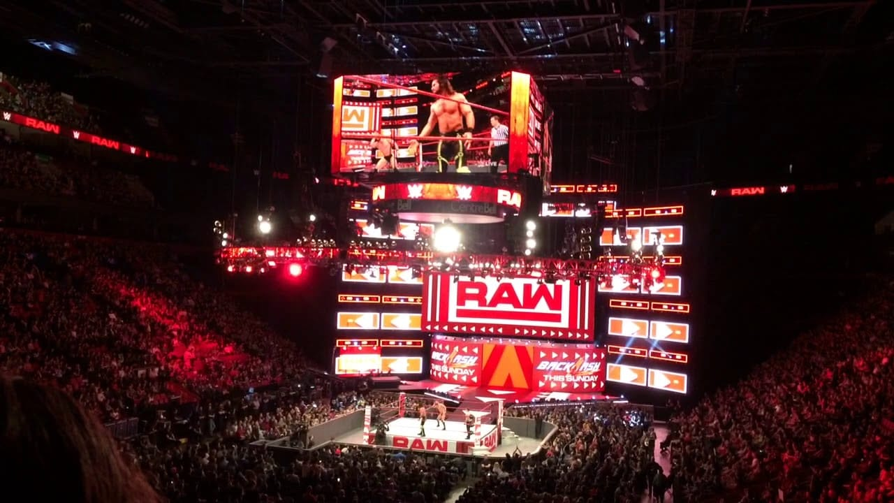 WWE Faking Camera Flashes During Matches On Raw