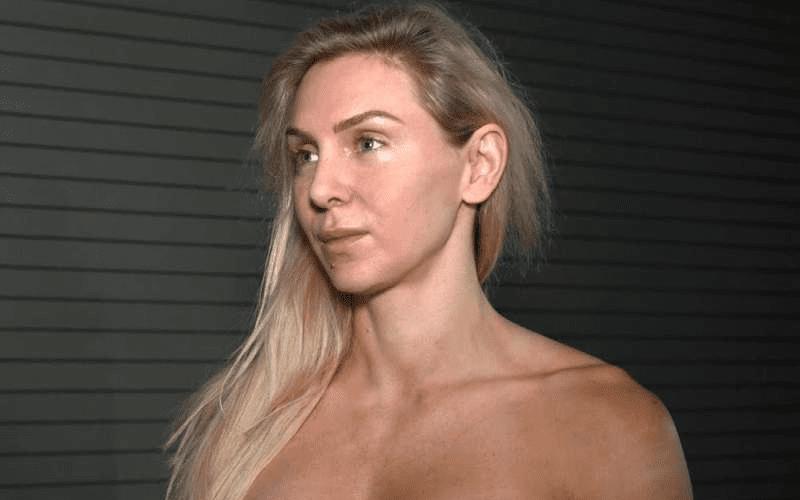 Charlotte-Backstage