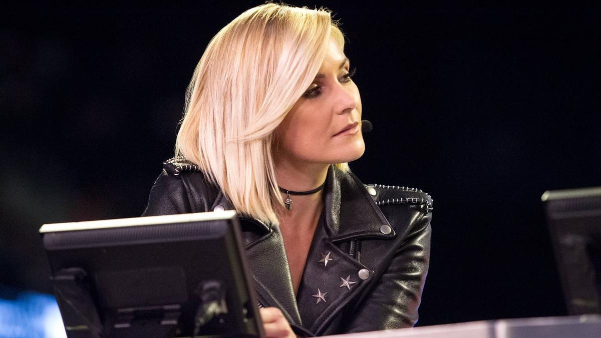 renee young 2342433443243