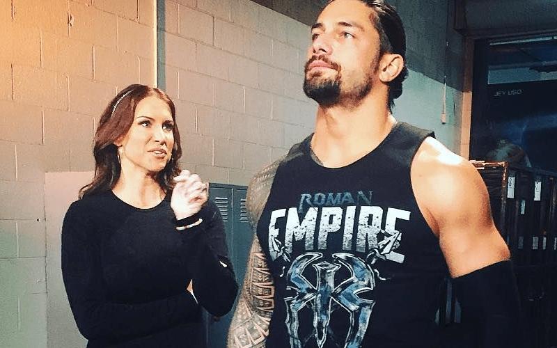 Roman-Reigns-Backstage