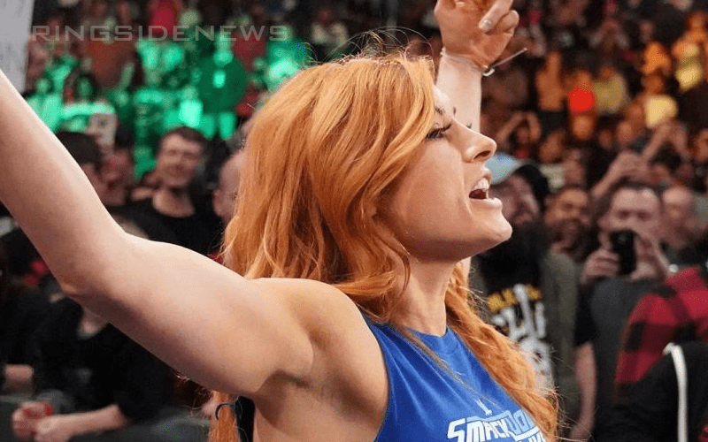 Becky-Lynch-Arms-Up