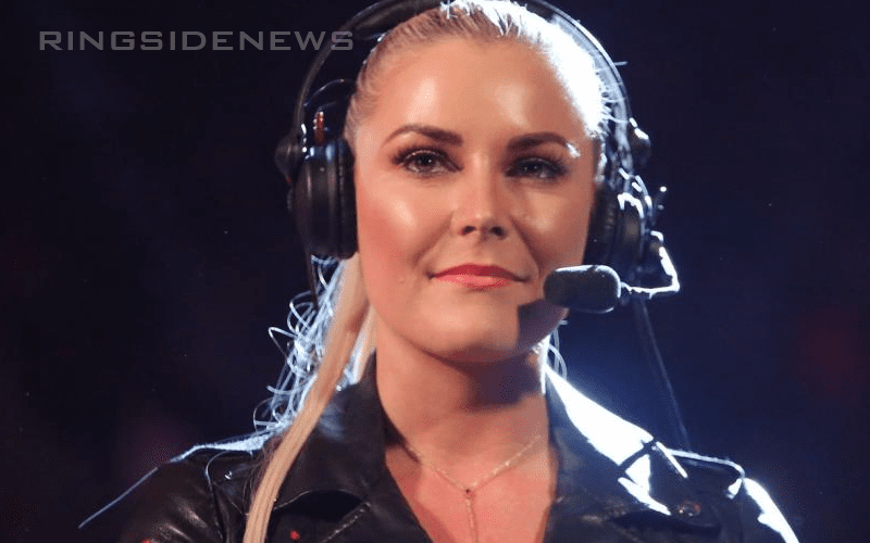 Renee-Young-RAW-Commentary