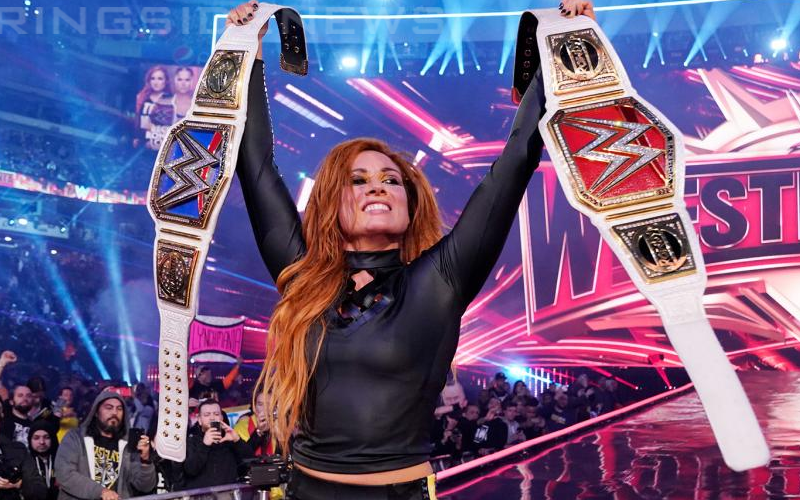 becky-lynch-double-champ-champ