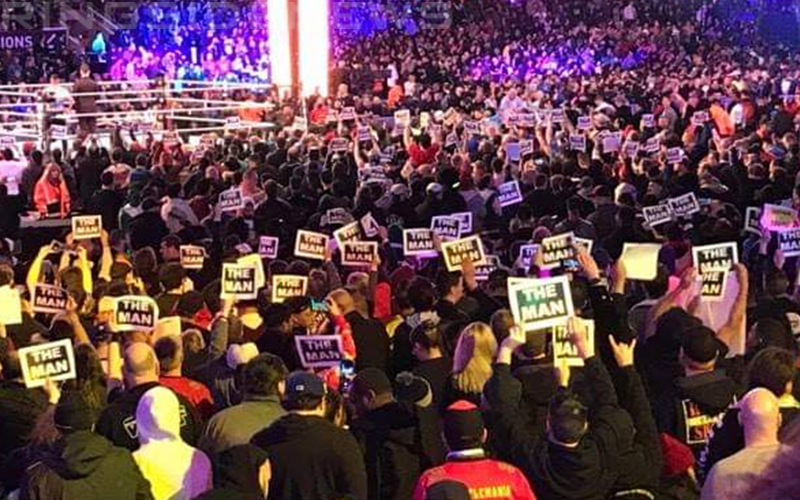 wrestlemania-crowd