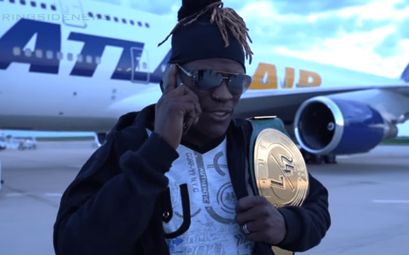 r-truth-airport
