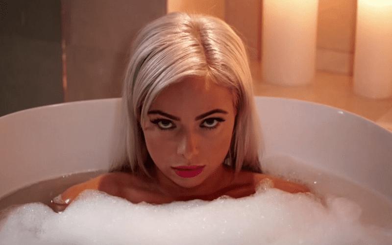liv-morgan-bath