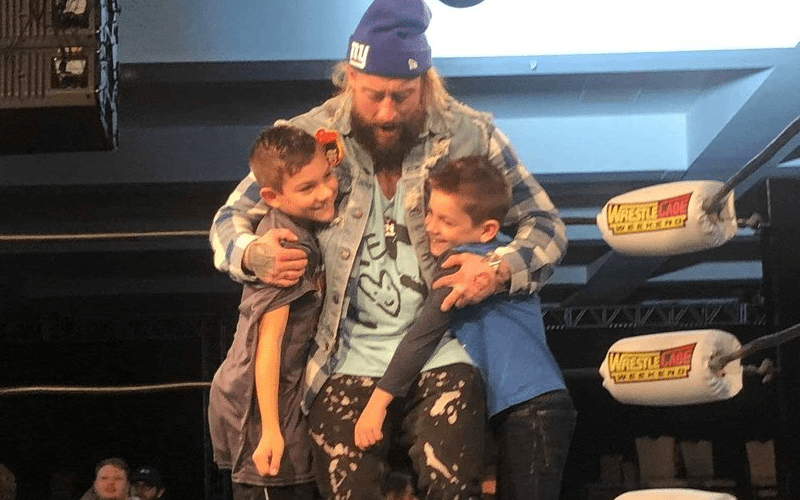 nzo-hugging-kids