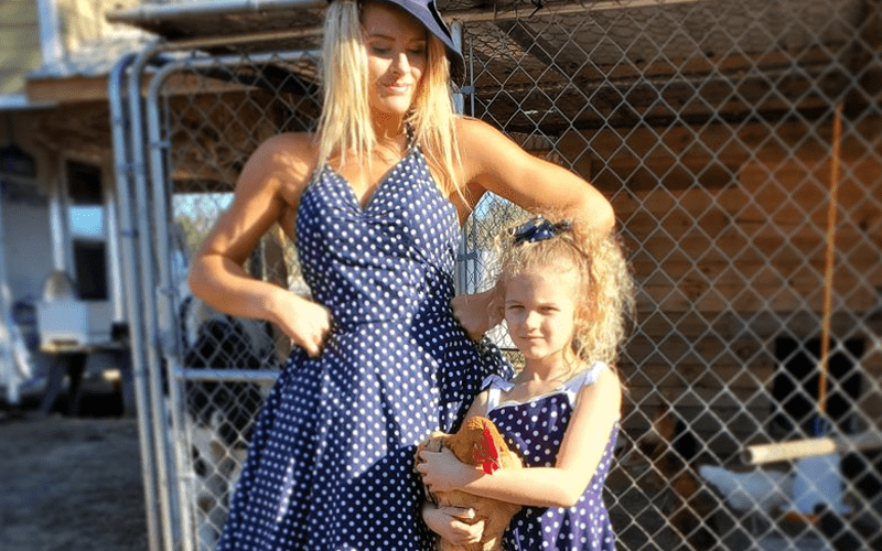 lacey-evans-daughter-44884
