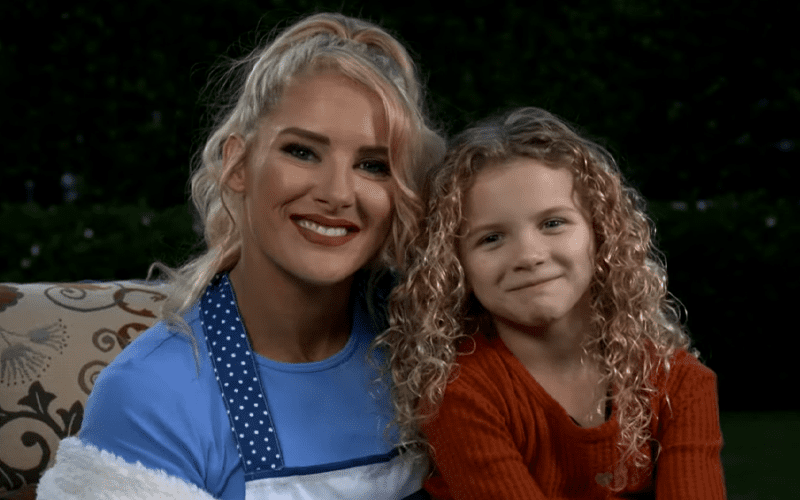 lacey-evans-summer-daughter