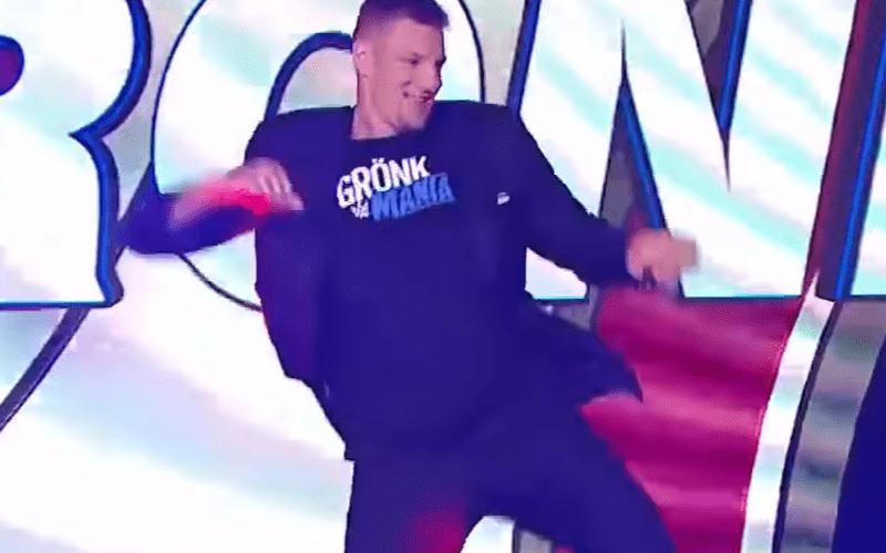gronk-bad-dancer
