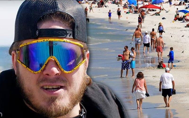 joey-janela-beach