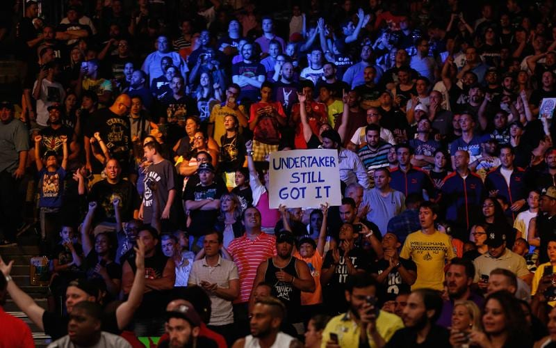 WWE-fans-at-arena