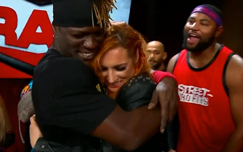 becky-lynch-hugs