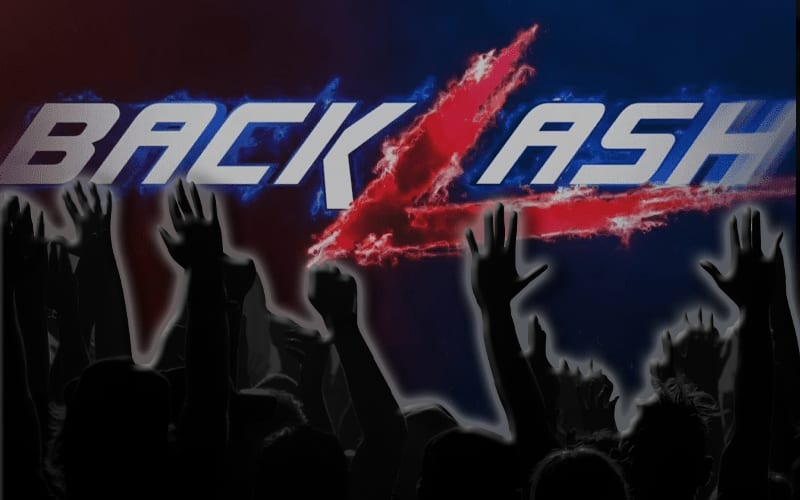 live-crowd-backlash