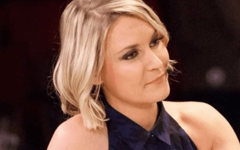 renee-young-a84