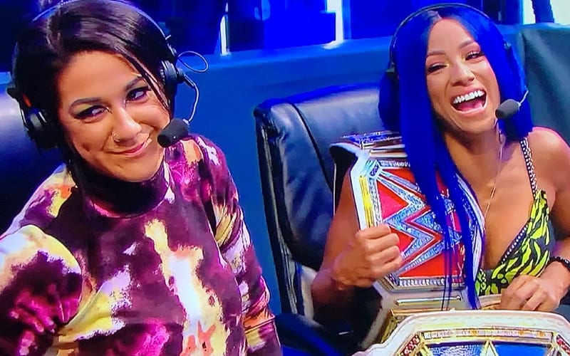 bayley-sasha-banks-laughing-48