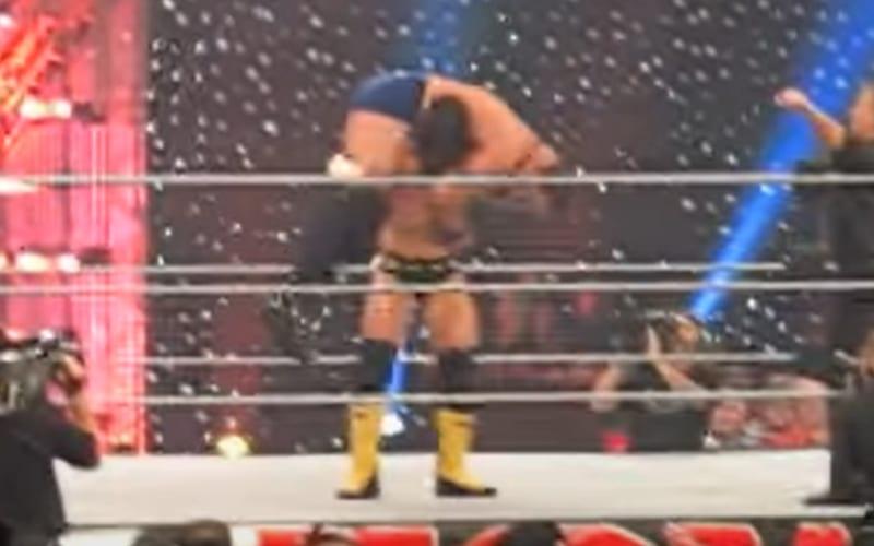 CM-Punk-vs-Mike-Knox