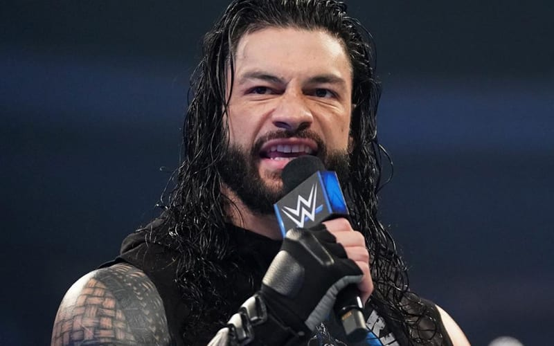 Roman-Reigns-Microphone