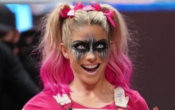 Alexa Bliss Warns Fans Of Impostor Accounts